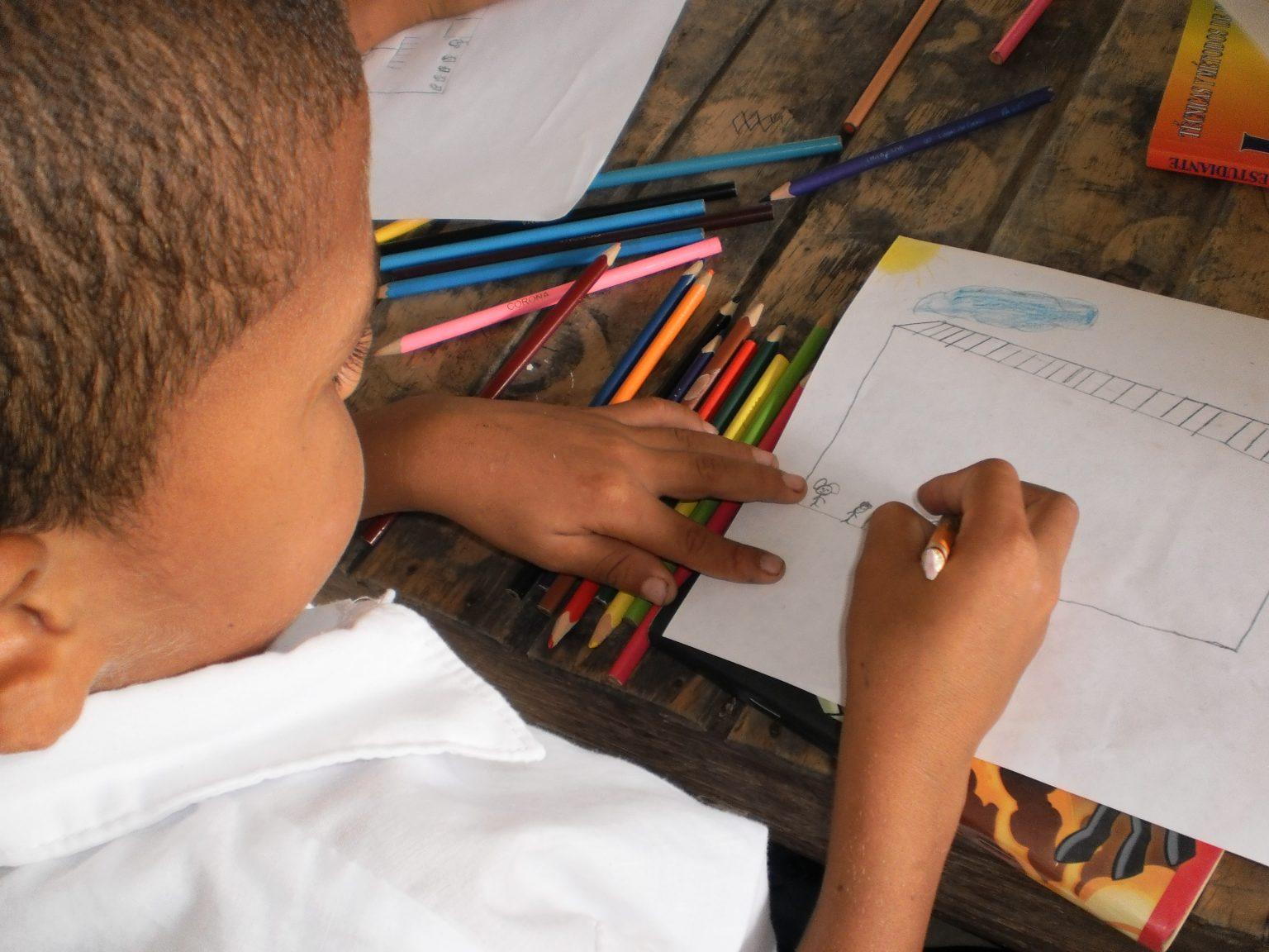 Maestros y familias, clave para garantizar la permanencia escolar